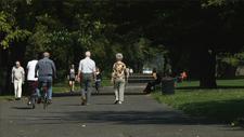 Senioren im Park 01