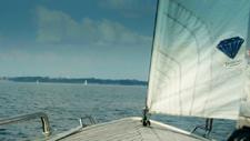 Segelboot im Meer 04