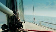 Segelboot im Meer 05