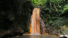 Karibischer Wasserfall 01