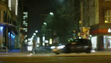 Straßenbahn fährt vorbei 01