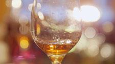Lichtspiel mit einem Glas 01
