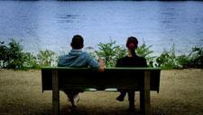 Mann und Frau auf Bank 02