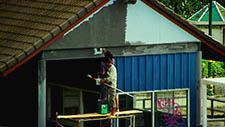 Hauswand streichen in Bangkok 01