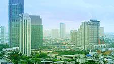 Bürogebäude bei Tag in Bangkok 01