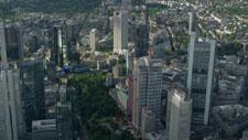 Frankfurter Bankentürme aus der Vogelperspektive 01