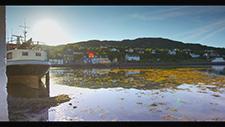 Fischer Dorf mit Booten in Schottland 6K RED 01