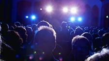 Fans auf Rockkonzert 02