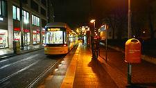 Berliner Strassenbahn bei Nacht 02