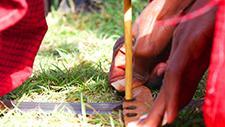 Massai feuermachen 14
