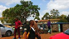 Bürgersteig in Nairobi (Kenia) 02