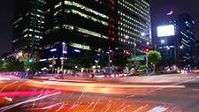 Straßenkreuzung in Seoul Zeitraffer 06