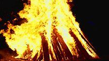 Großes Feuer Zeitlupe 96 Frames pro Sekunde 22