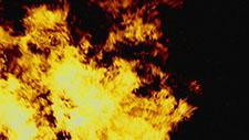 Großes Feuer Zeitlupe 96 Frames pro Sekunde 23