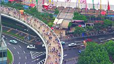 Fussgängerbrücke in Asien (Shanghai) 01