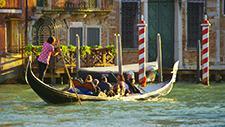 Venedig Gondel auf Kanal 01