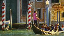 Venedig Gondel auf Kanal 02