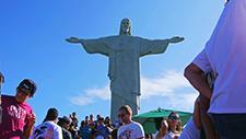 Tourismus bei Christus Statue Rio de Janeiro 03